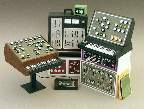 Mani di fata per vecchia musica elettronica immaginaria