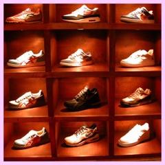 Come aprire un negozio di sneakers