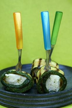 Ricetta: Involtini di zucchine e mozzarella marinata