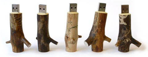 Oooms: wooden memory stick