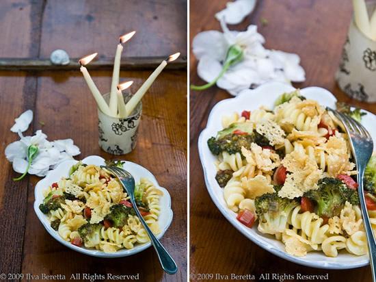 Pasta con verdure e Parmigiano croccante