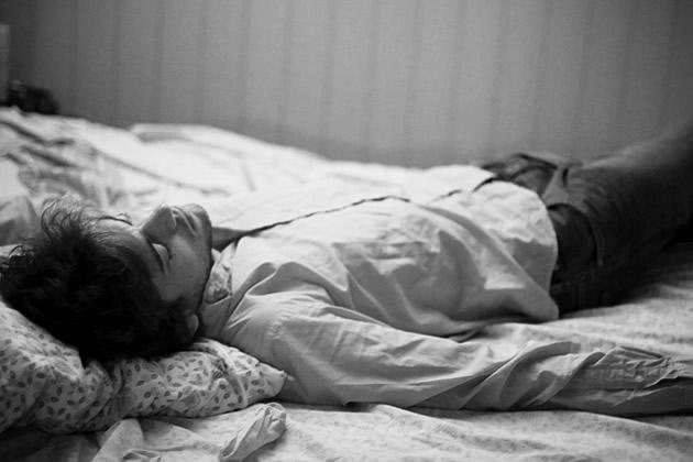 Flickr week r metti una domenica stesi sul letto - Una valigia sul letto streaming ...