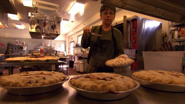 Cindy Breitbach, cuoca e proprietaria del Breitbach's Country Dining di Balltown, Iowa
