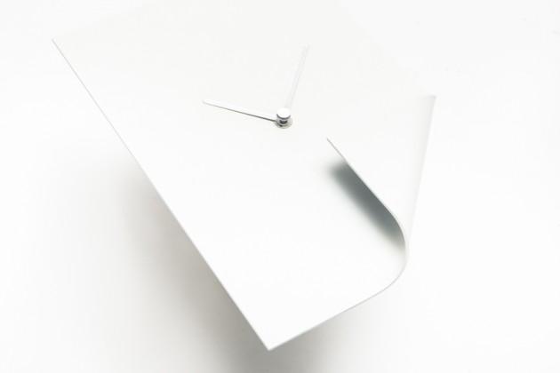 Blank Page | designer: Sam Baron | materiale: metallo