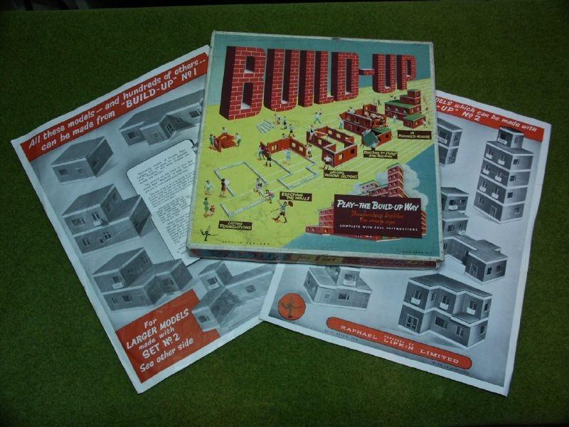 Build-Up materiali: plastica epoca: anni '50 e '60