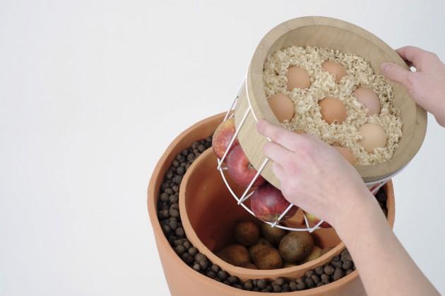 """""""Terra"""", di Ida Gudrunsdotter. Un frigorifero naturale che funzione grazie all'evaporazione e al passaggio termico tra i vari strati"""