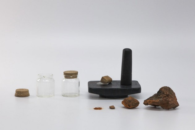 """""""Natural Paint Kit"""", di Pratik Bruzelius. Un kit per estrarre pigmenti naturali e produrre vernici"""