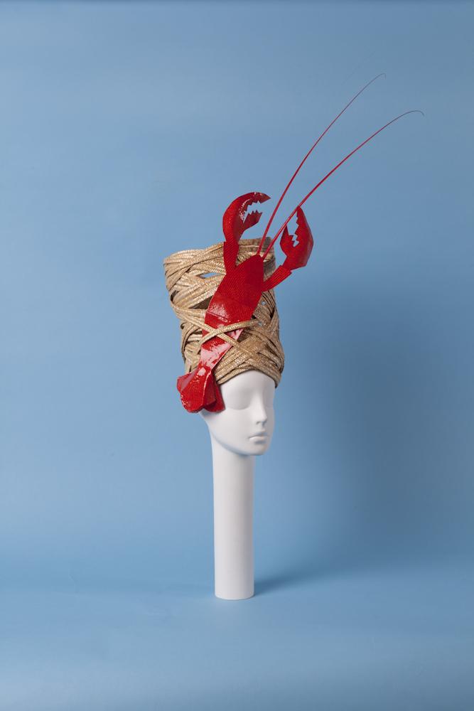 Patrizia Fabri per Antica Manifattura Cappelli Collection Mediterraneo 2015  Cappello realizzato in paglia con decorazione in Parasisol e resina. Courtesy Patrizia Fabri