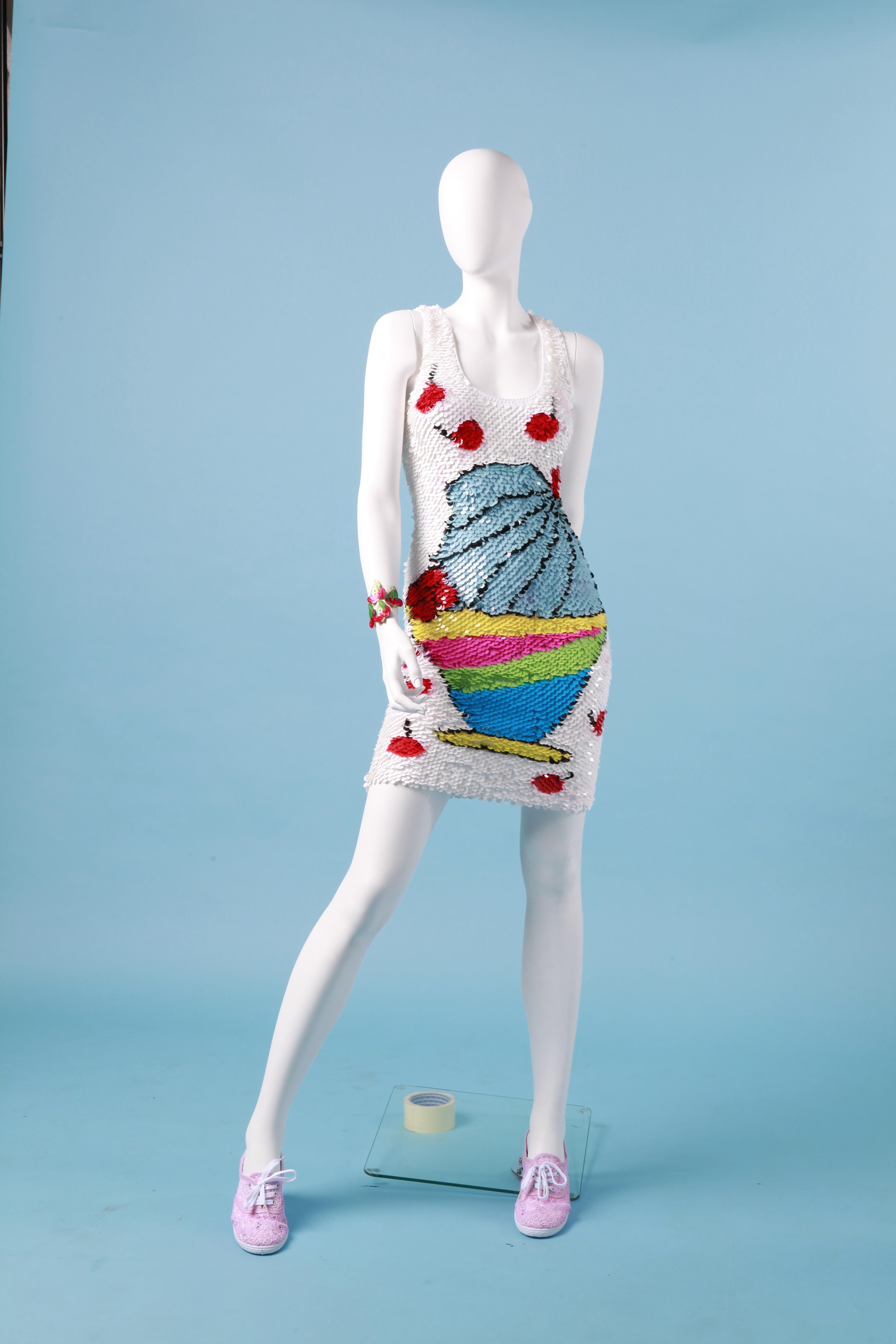 Enrico Coveri Collezione Primavera/Estate 2013 Abito in filo di seta tricot con paillettes. Courtesy Enrico Coveri