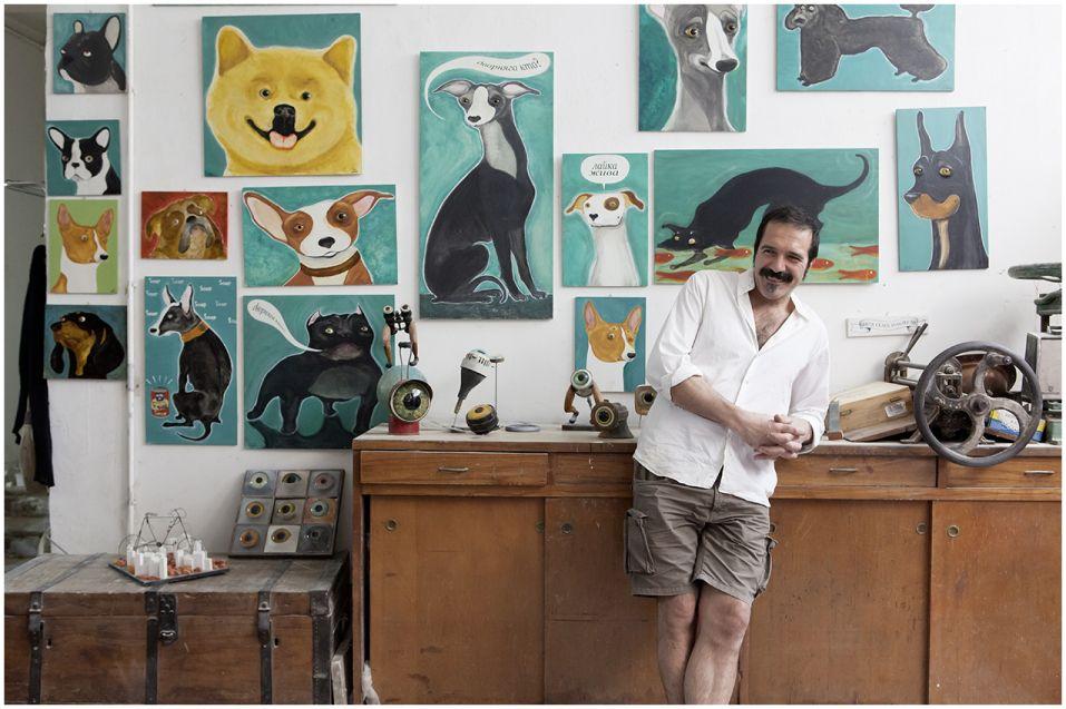 Stefano Prina nel suo studio — foto di Valerio Donghi