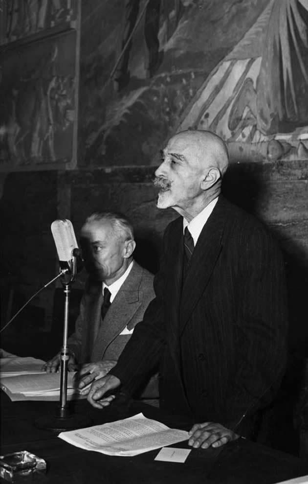 Gino Friedmann durante il Convegno nazionale delle cantine Sociali, Asti 1952.  Archivio Partecipanza Agraria di Nonantola