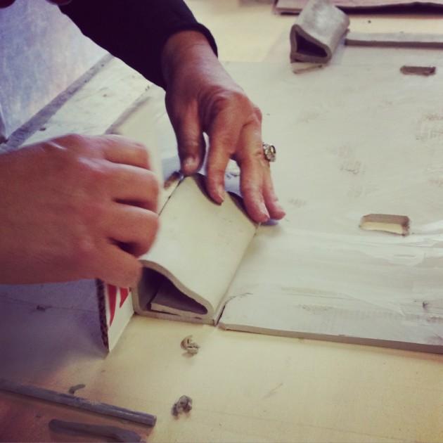 Cassetta in ceramica (fase della lavorazione)