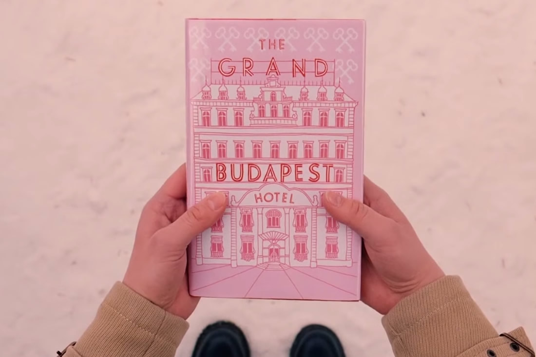i libri nei film di wes anderson frizzifrizzi. Black Bedroom Furniture Sets. Home Design Ideas
