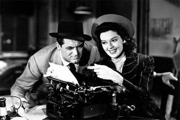"""fotogramma dal film """"La signora del venerdì"""", con Cary Grant e Rosalind Russell, diretto da Howard Hawks, 1940"""
