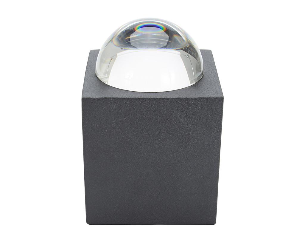 Trove Box, contenitore in ferro e cristallo, design Tom Dixon, made in UK (foto: Tetra)