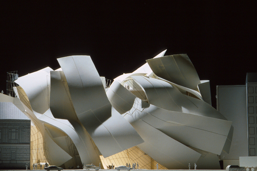Frank Gehry (fonte: modelarchitecture.tumblr.com)