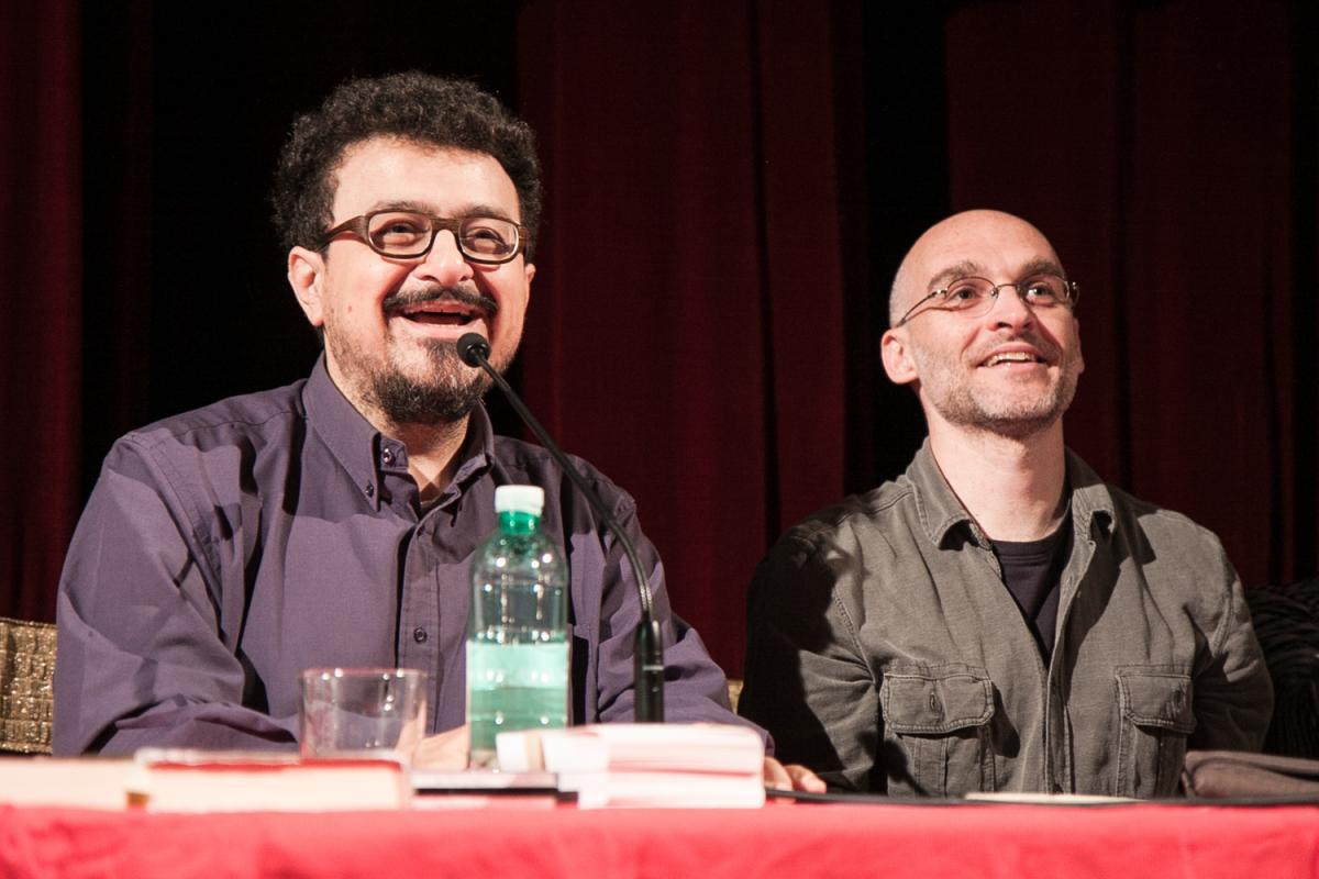 Nicola Galli Laforest (a destra), insieme allo scrittore Gianni Biondillo