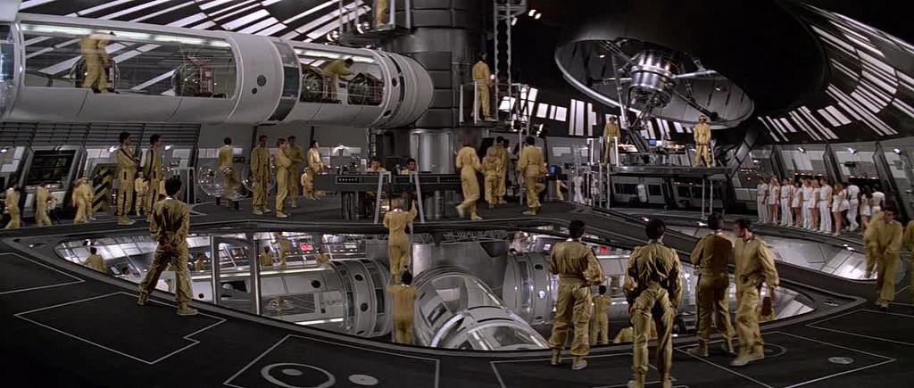 """""""Moonraker - Operazione spazio (Moonraker)"""", 1979, Roger Moore nel ruolo di James Bond, regia di Lewis Gilbert, scenografia di Ken Adam"""