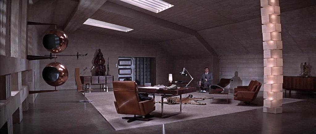 """""""Si vive solo due volte (You only live twice)"""", 1967, Sean Connery nel ruolo di James Bond, regia di Lewis Gilbert, scenografia di Ken Adam"""