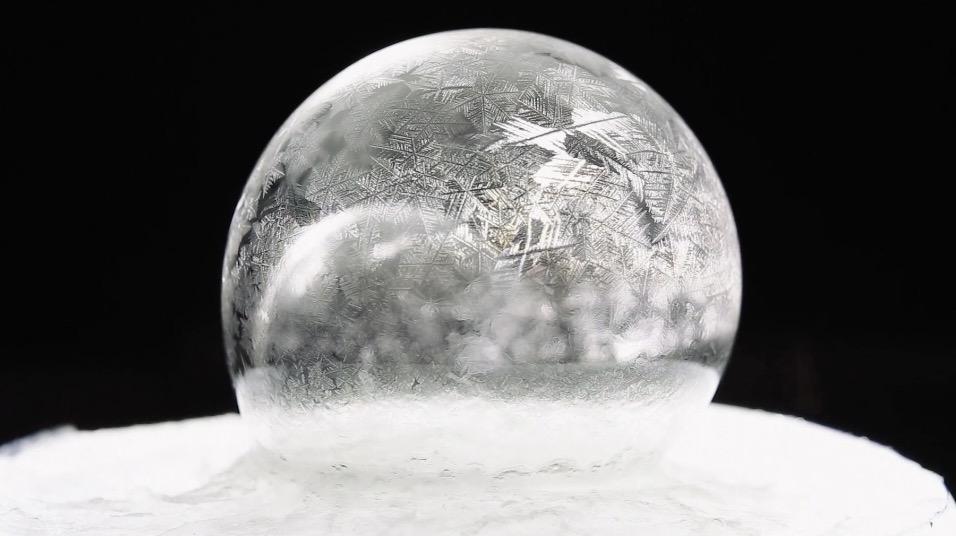 frozen_soap_bubbles_1