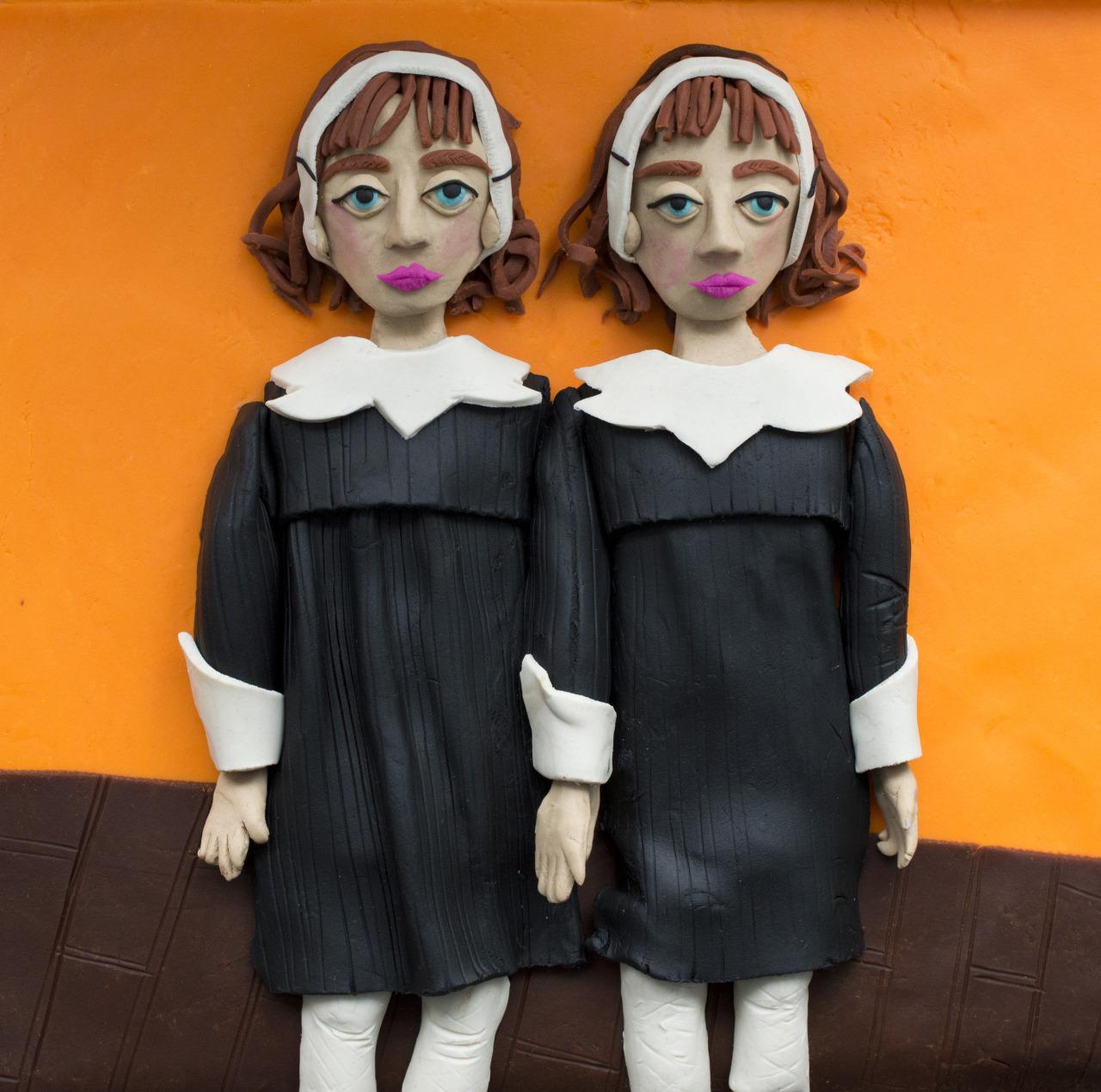 """Identical Twins, Roselle, N.J."", di Diane Arbus, 1967 (guarda l'originale)"