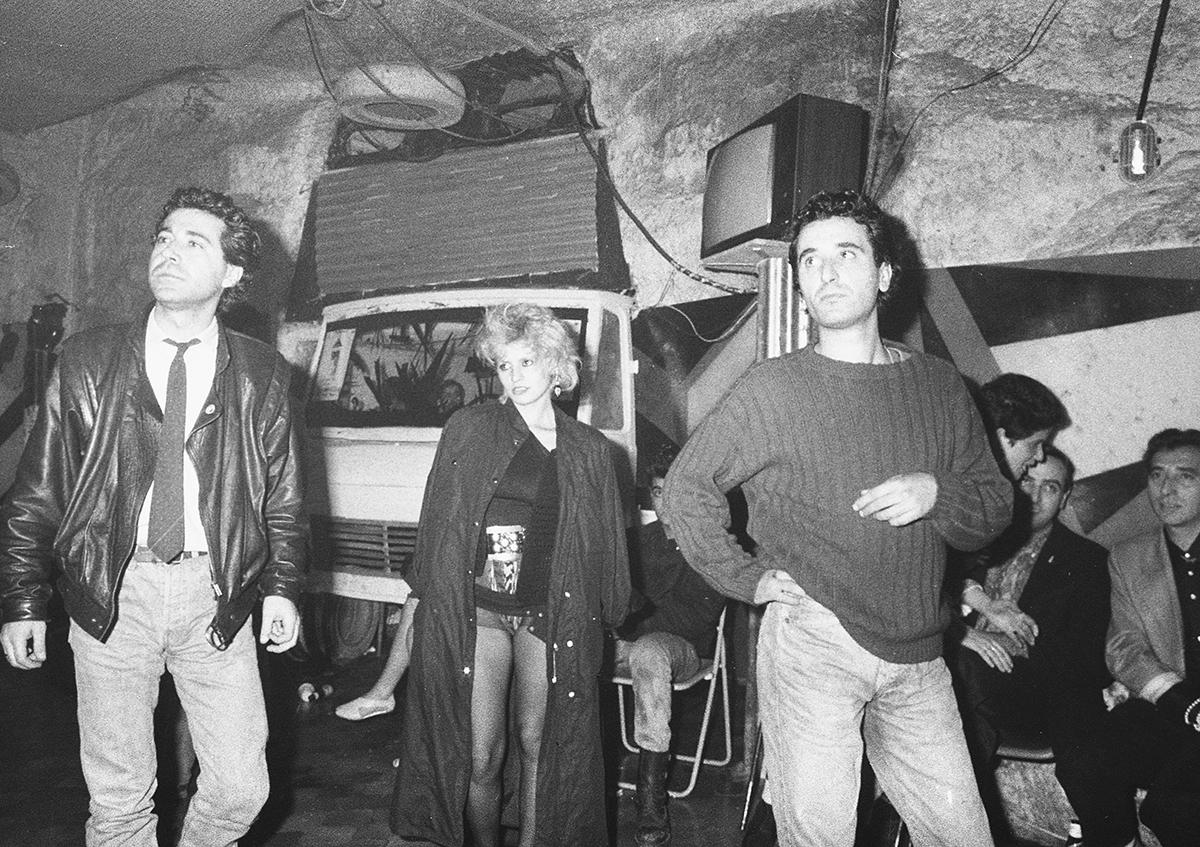 Toty Ruggieri Diamond Dogs, Officina post industriale 1984—1987 Napoli (courtesy: Yard Press)