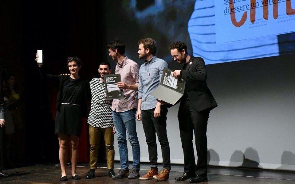 Francesco Barbaro, Giulia Cordin, Giacomo Delfini, Alessandro Piacente e Lorenzo Toso ritirano il premio (foto: European Design Award)