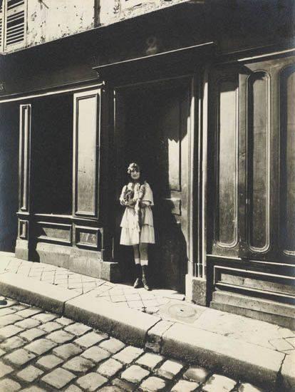 """Eugène Atget, """"Prostitute, Versailles"""", 1921"""