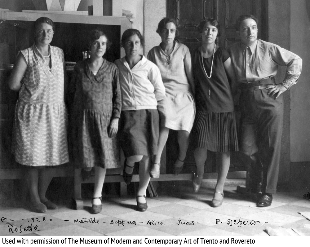 43-depero_with_workers_at_depero_futurist_house_of_art_1928_archival_photo_kick