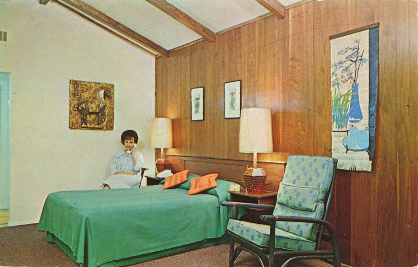 Pickwick Motor Inn, Long Island, NY (courtesy Bad Postcards)