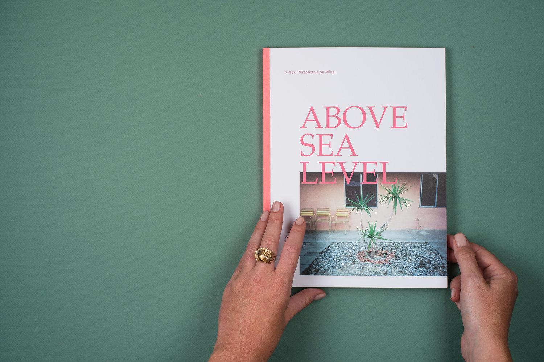 Above the sea level: un nuovo magazine sul vino che parla anche di design, di arte, di cibo e di luoghi