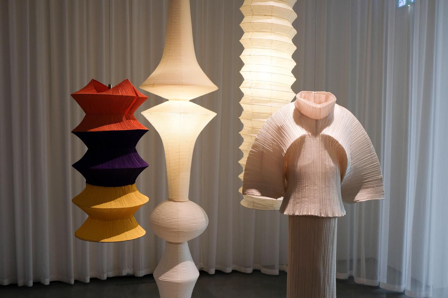 18 Isamu Noguchi Akari Lamp issey miyake Latern Dress