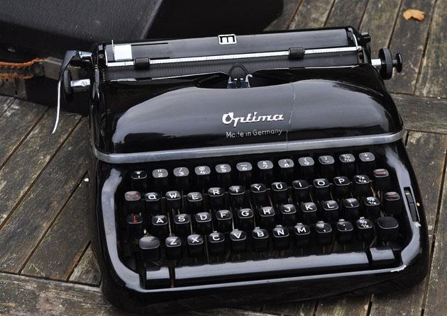 typewriter gallery 16