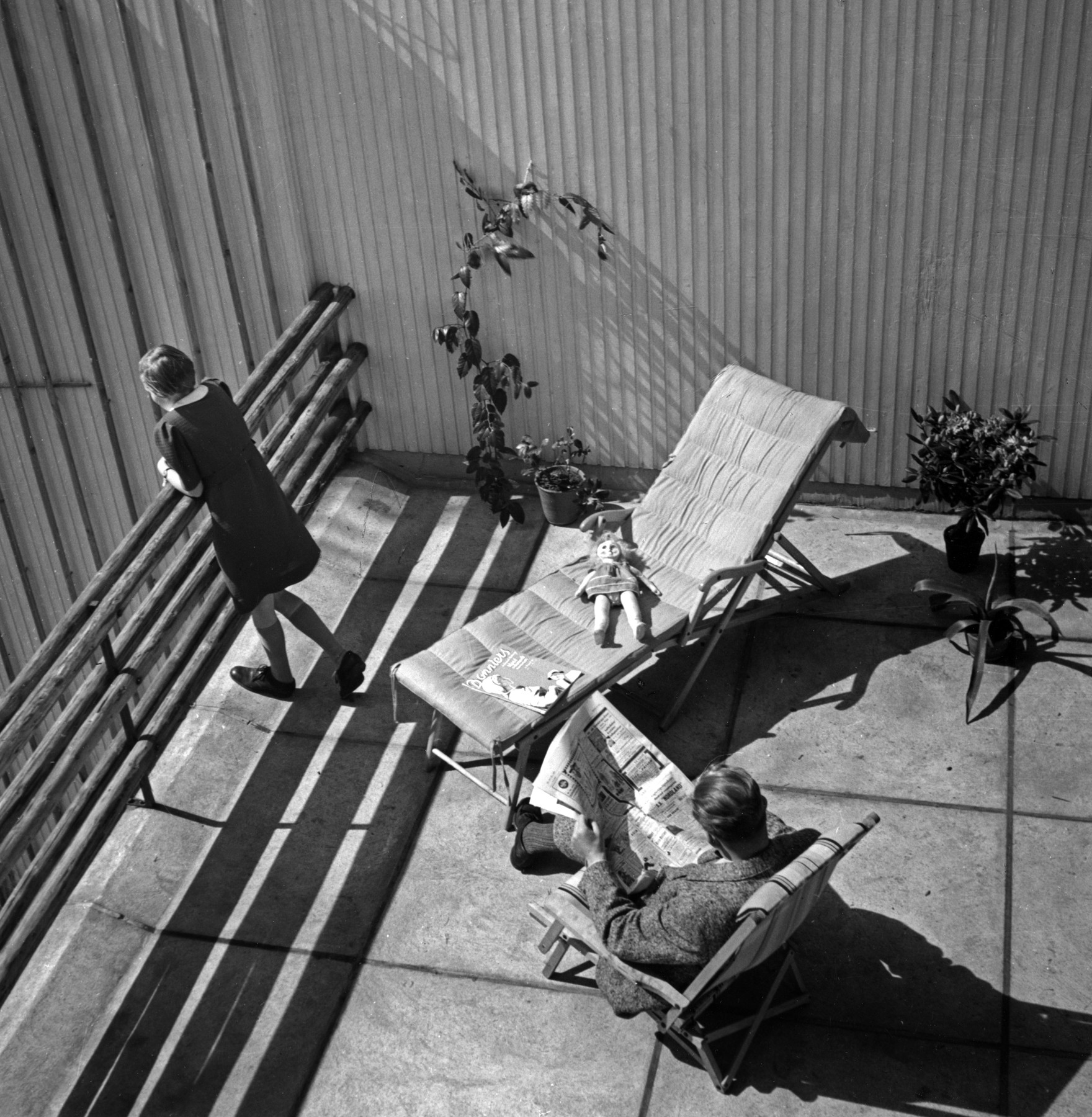 1843966 Alvar Aalto and his daughter Henni at the Aalto House master